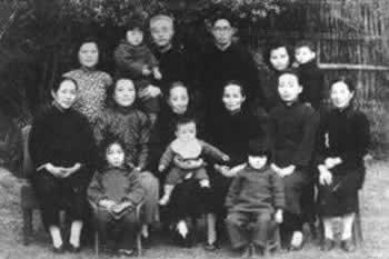 8日 《点石斋画报》在上海创刊4)  1903年5月8日 法国艺术大师保罗