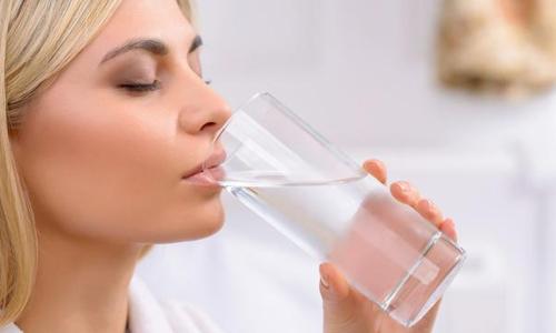 一半开水一半冷水兑成温水喝,对身体有没有什么坏处?