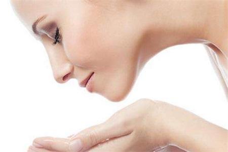 护肤小常识:这样清洁面部,你一定会很美