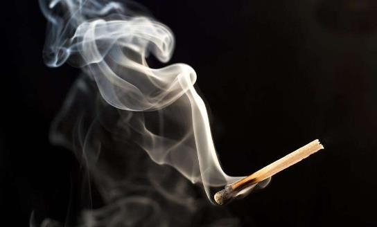 青少年吸烟的危害都有哪些
